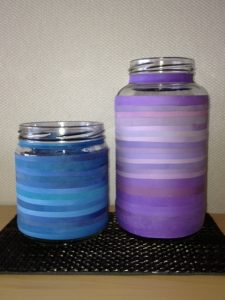 Creative colorful jars using rubber bands